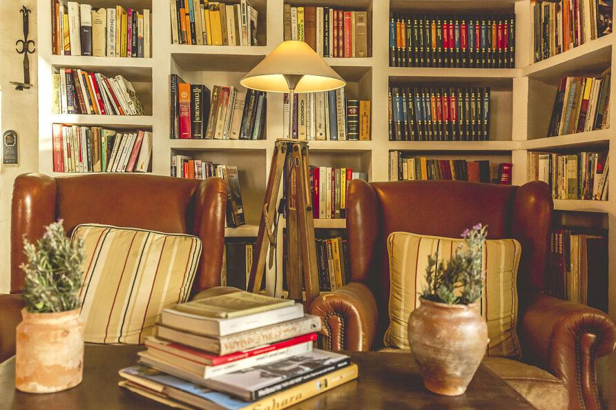 Biblioteca masia Mas d'en Giralt